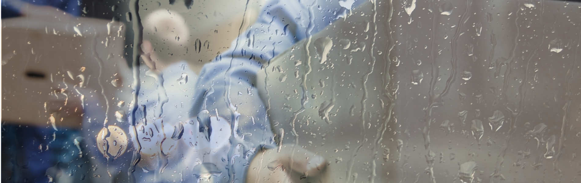 Moving during monsoon? do not let rain ruin your moving experience.